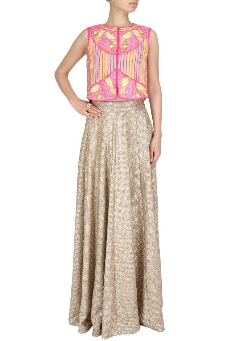 #classic #blushpink #birdjacket #wearitwithease #wearitsimple #standout #shopingurgaon #labelsurabhiarya