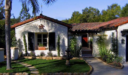 Small spanish style homes spanish estate recently for Spanish revival exterior paint colors