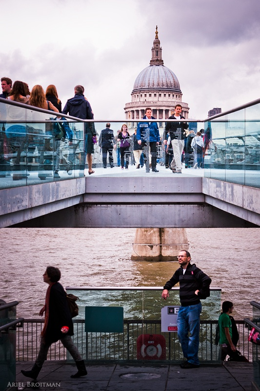 Saint Paul's Cathedral Above Millenium Bridge | Ariel Broitman Photography