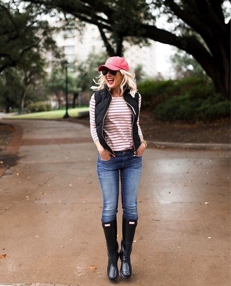 **** Try Stitch Fix today to receive on trend looks like this today!!! Loving the laid back look of this entire outfit. Perfect for those cold rainy days! Hunter boots, paired with a cute puffer, baseball cap and skinny jean. Love it! Stitch Fix Fall, Stitch Fix Spring 2016 2017. Stitch Fix Fall Spring fashion. #StitchFix #Affiliate #StitchFixInfluencer