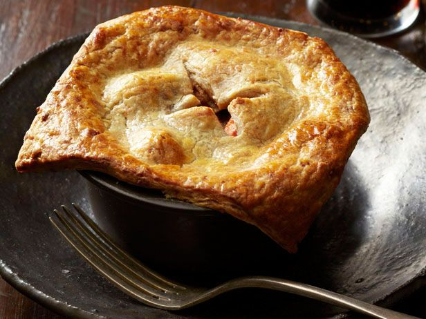 Get this all-star, easy-to-follow Beef Potpies With Cheddar-Stout Crust recipe from Food Network Magazine.