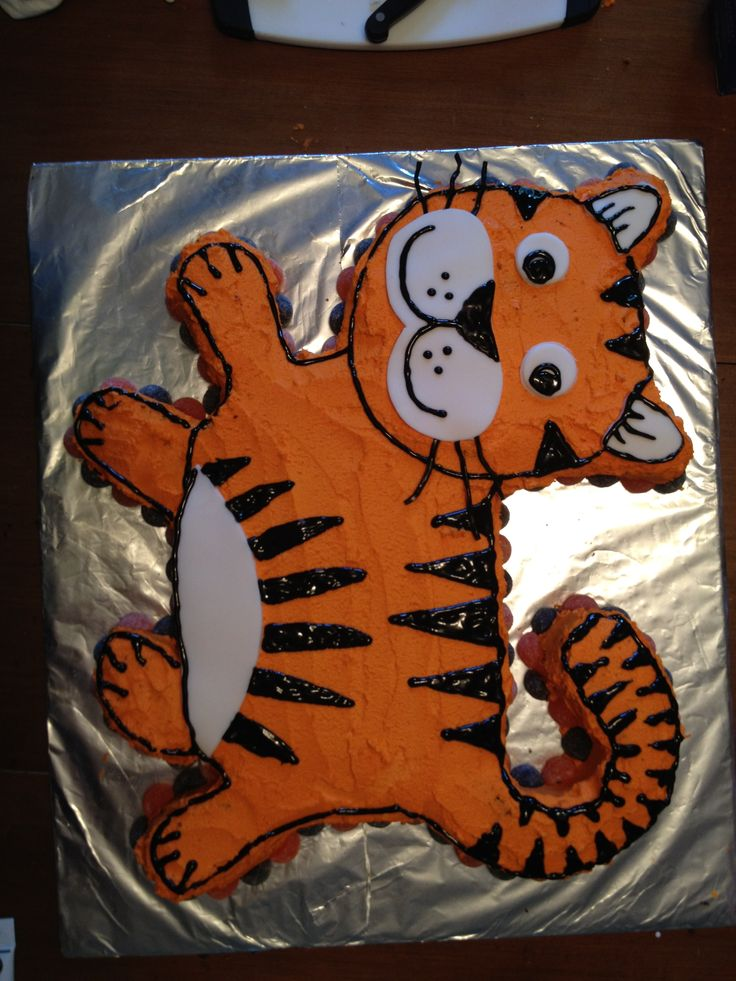 Best 25 Tiger Cake Ideas On Pinterest Daniel Tiger Cake