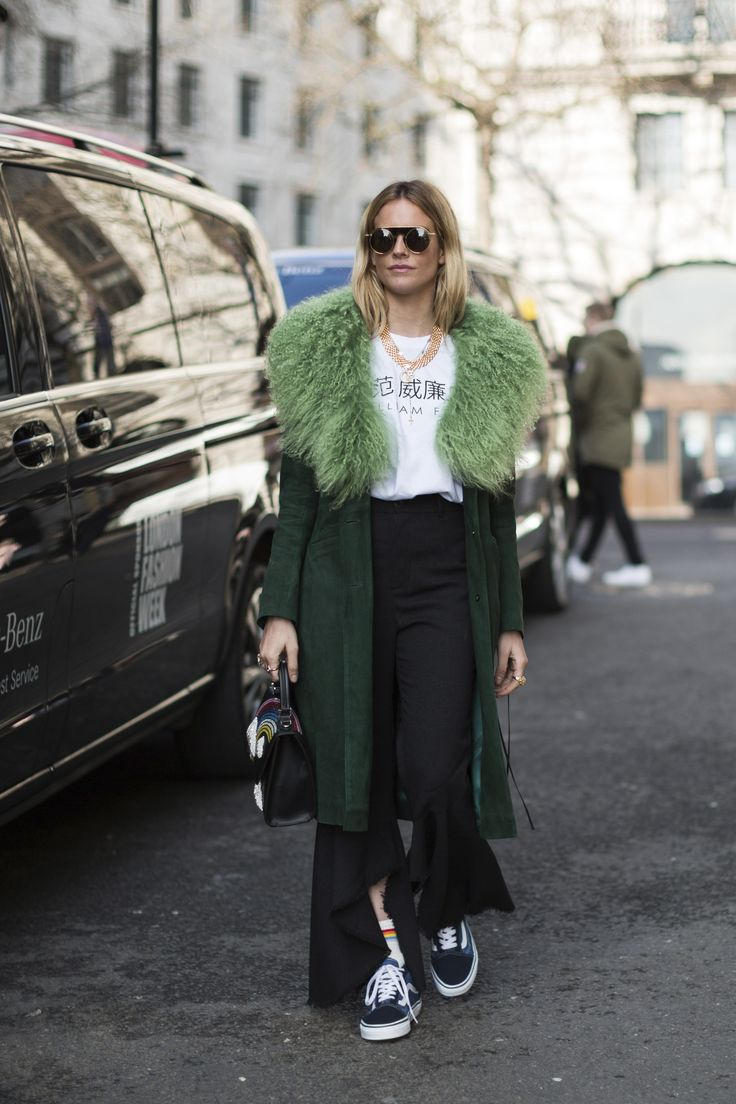 London Fashion Week Fall 2017 Street Style Day 1 - The Impression