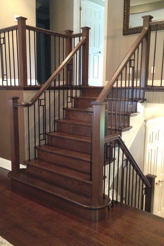 GT 010 Prestige Metal/Installation Ren's Carpet Flooring & Stairs. With or without glass, use the GT 010 to provide your stairs a modern style ! Avec ou sans verre, offrez un look moderne à votre escalier avec le GT 010 !