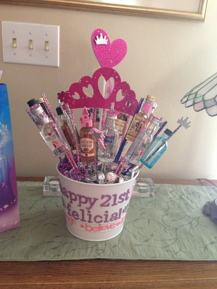 Best 25 21st birthday centerpieces ideas on pinterest for 21st birthday decoration ideas