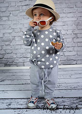 bawełniana bluza w kolorze jasnego melanżu w białe grochy. Do kupienia na: mail: knocknock.fashion@gmail.com fb: https://www.facebook.com/pages/knock-knock-fashion/230430617163127?ref=hl instagram: http://instagram.com/knock_knockfashion#  #kidsfashion #modadladzieci #fashionkids #modnedziecko