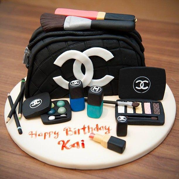 1000+ ideas about Makeup Birthday Cakes on Pinterest ...