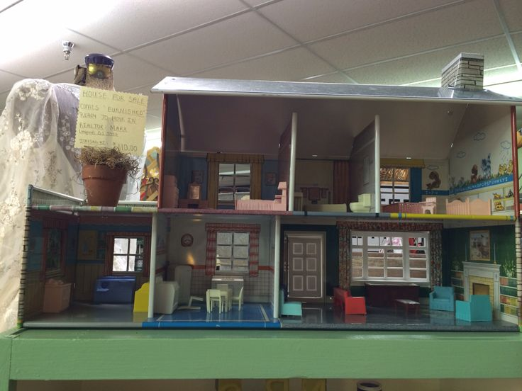 Vintage Metal Dollhouse 37