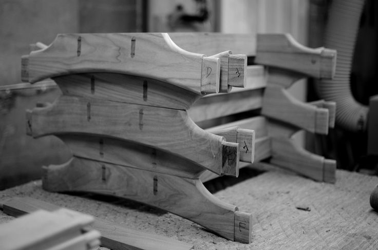 Entretoise de chaise / Dining chair assembly