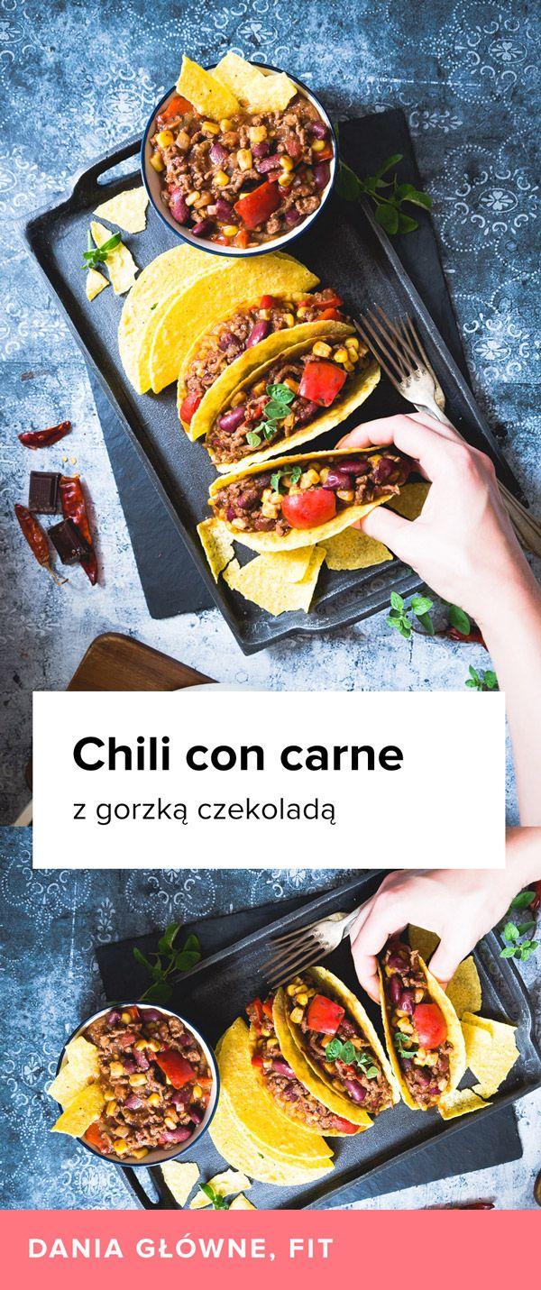 Na moim blogu możecie znaleźć już jeden przepis na Chili con carne. Jednak ponieważ jest to jedno z moich ulubionych dań i przyrządzam je bardzo często w różnych wersjach, dzisiaj przyszedł czas na drugi. Ten przepis odrobinę różni się od poprzedniego. Ma więcej przypraw, przez co smak tego chili jest bogatszyi jeszcze smaczniejszy. Dodatek gorzkiej czekolady także robi swoje. Przepis na Chili con carne z gorzką czekoladą znajdziecie poniżej. Drukuj Chili con carne z gorzką czekoladą…