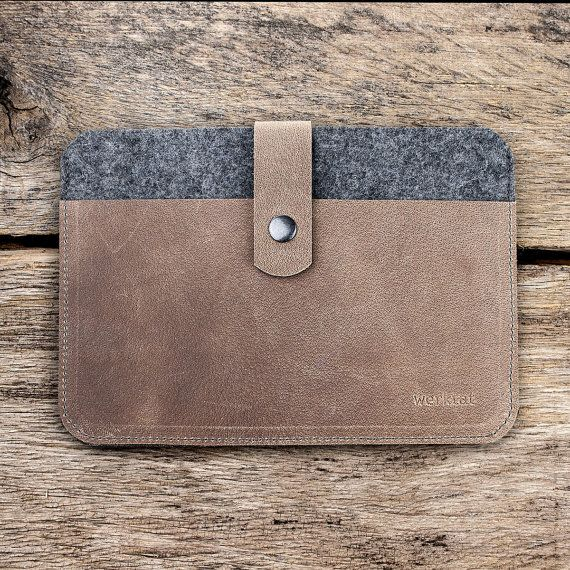iPad Pro 12.9 leather felt case with push-button clasp by werktat