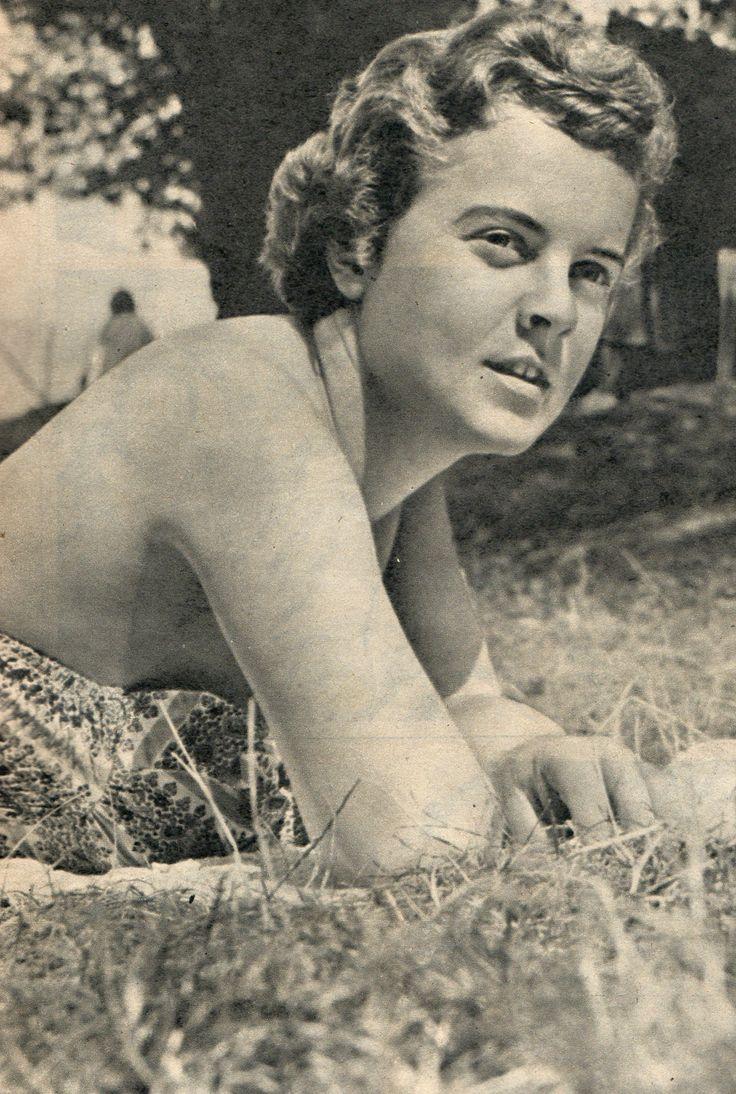 Suzanne Farrington (Vivien Leigh's daughter)