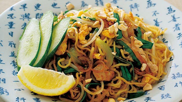 高城 順子 さんの中華麺を使った「焼きそば」。アジア風の甘めの焼きそばを手軽な中華麺で。みりんの上品な甘さが素材のうまみを生かし、やさしく飽きのこない味に仕上げました。 NHK「きょうの料理」で放送された料理レシピや献立が満載。