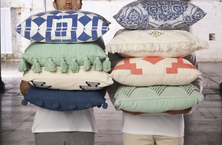 Cushion lover! We can't get enough of scatter cushions. Ideal for all rooms, whatever the season!