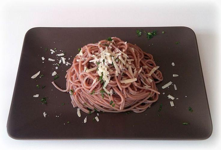 Spaghetti al vino e formaggio di malga