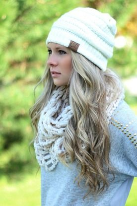 I don't know what I like more the hair, scarf or hat. Super cute!