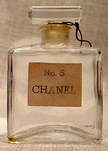Para gustos se hicieron los colores: Channel N°5 un perfume de Mujer Con Olor A Mujer!!!