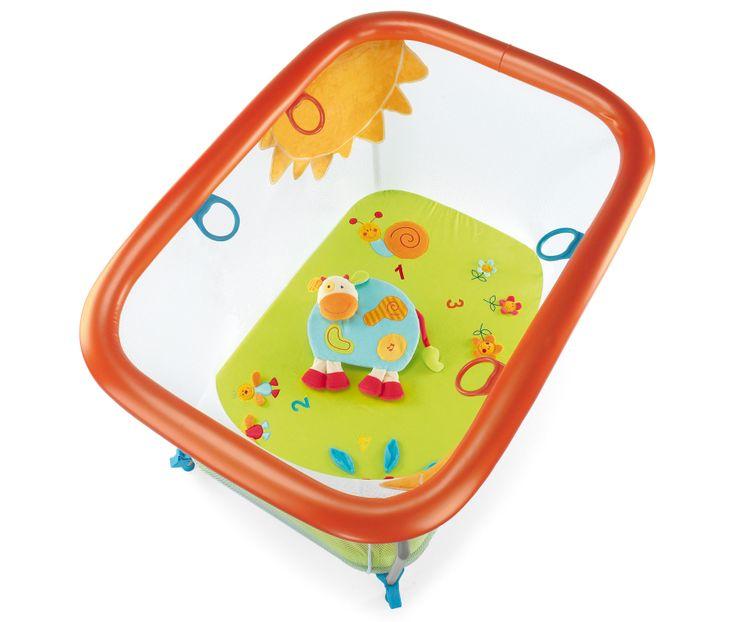 Il box Brevi Green Farm, stimola lo sviluppo dei sensi nel bambino in tutta sicurezza. Accompagna lo svezzamento del bambino, coniugando l'aspetto ludico con quello educativo e creativo.