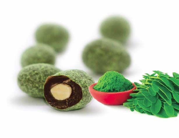 Almonds in Dark Chocolate & Moringa • It has been found that Moringa Oleifera contains more than 92 nutrients, 46 types of anti-oxidants, 36 anti-inflammatory agents as well as vitamins A, B1, B2, B3, B4, B7, C, D, E, and K.