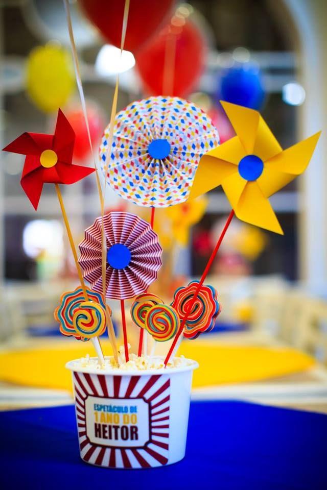 Balões bubble e Balões confete no Circo do Heitor. Consulte nos: contato@balaocultura.com.br Créditos: projeto @silviaroverieventos , locação: @popmobilelocacao , painel: @crissfestas, palhaços: @ideiaunica, rodagigante: @ellaartes, doces: @cmborges1, arranjos florais: @marciamesquitafestaseventos , chalkboard: @designnopapel, balões: @balaocultura, fotos: fraldinhafotografia #circo #bubble #balaocultura #balaodiferente #festadecirco
