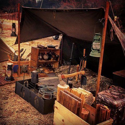 先週末は楽しかったなぁ〜♪( ´▽`) 次はいつできるだろか(´Д` ) #キャンプ #camp #camping #puptent #パップテント #ハーフテント #シェルターハーフテント #shelterhalftent #野営親父 #野営 #ドイツ軍 #荷物を減らす気はない #むしろ増える一方 #虫対策も考えないと #kenstyleironworks #ファイヤーリング #firering