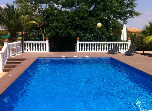 Las 25 mejores ideas sobre piscinas de hormigon en for Ideas para decorar piscinas