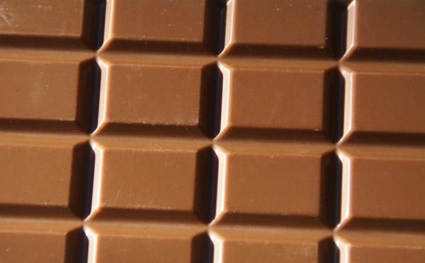Not everyone likes dark chocolate. Make your own homemade milk chocolate bars that are chemical and additive free! These use ingredients you probably already have on hand (honey, cocoa, butter, cream, etc.) Sort of paleo diet friendly if you're the kind who still eats butter and cream ;)