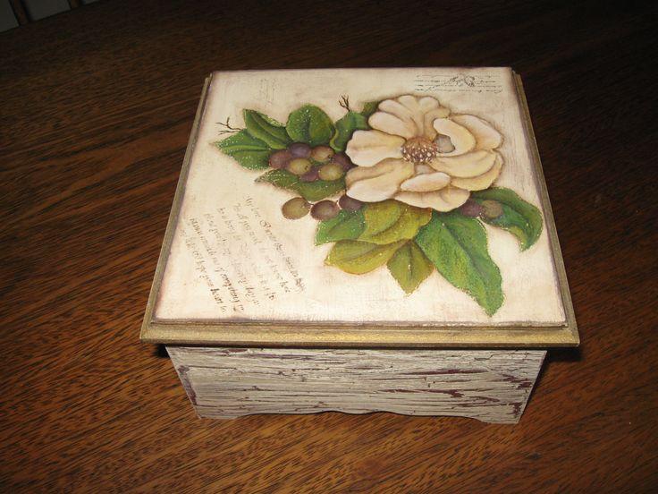 38 best cajas de madera images on pinterest wooden case - Cajas de madera pintadas a mano ...