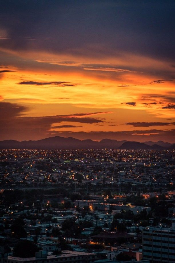 Another sunset in the desert #TroverDetour Discovered by Sergio Camalich at Hermosillo, Mexico