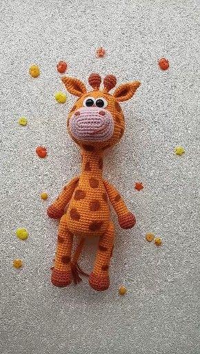 Cute giraffe crochet pattern