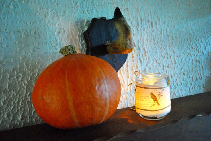 D Co D 39 Halloween Fait Maison Un Bocal Entour D 39 Une Page D 39 Un Livre D Cor D 39 Un Corbeau Noir
