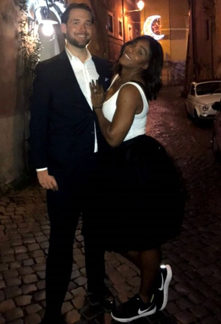 ACKCITY NEWS: Serena Williams Set to Marry, Shows off Her Massive Engagement Ring (Pictured)