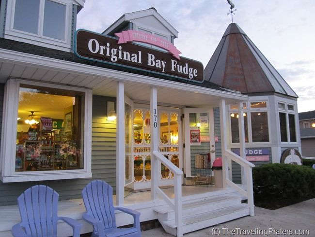 The Candy Bar at Put-in-Bay, Ohio. Chocolate covered Twinkies, bacon and more. Great family stop while visiting Lake Erie Shores and Islands. Photo via The Traveling Praters blog.