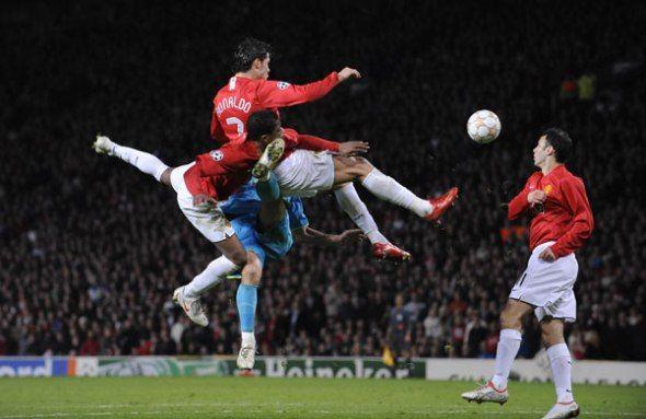 Man-United-v-Barca-Ronald-010