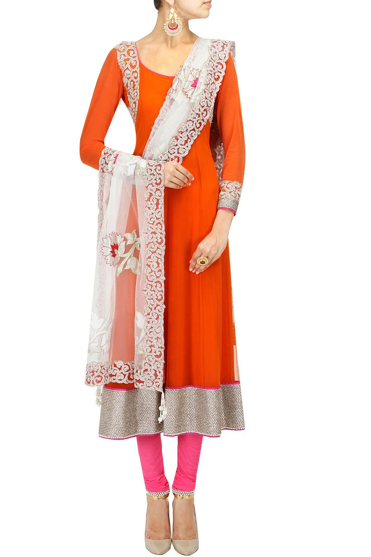 Orange and pink baroque embroidered anarkali set BY Eshaani Jayaswal. Shop now at: www.perniaspopups... #perniaspopupshop #amazing #beautiful #clothes #style #designer #fashion #stunning #trend #new