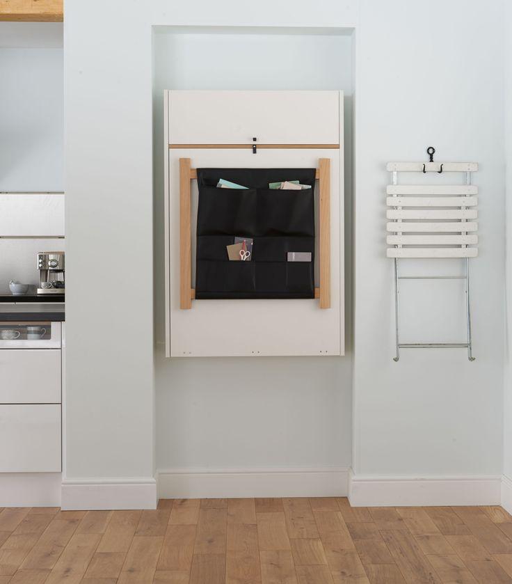Kun huonetilaa tarvitaan muuhun käyttöön, nostetaan Klaffi-kaappi helposti seinälle, jolloin säilytystilaa löytyy säilytyskankaan taskuista.   Petra-keittiöt   #size0kitchen