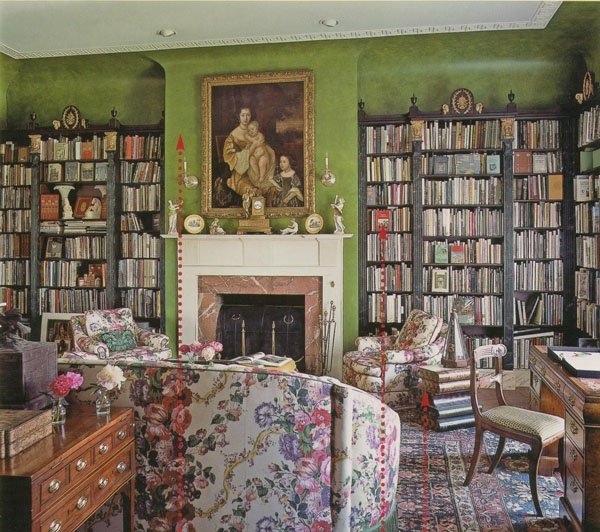 Janelle McCulloch's Library of Design: Library Love