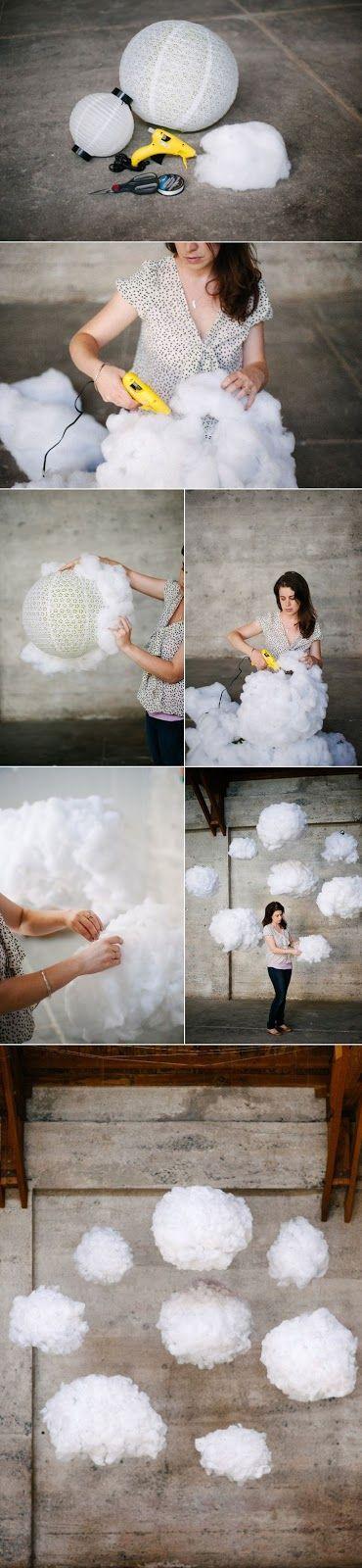 Fener süslerden yapılan uçan bulutları çok sevdim. Çocuk odaları, doğumgünü yada düğünler için kullanılabilir. :) İçlerine pilli led lambal...