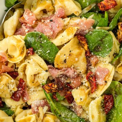 Tuscan Tortellini Salad @keyingredient #cheese #tomatoes