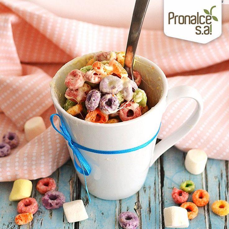 Prepara esta sencillo postre con #CerealPronalce. Solamente necesitas tres ingredientes, una taza, un microondas y máximo un minuto.   Ingredientes  1½ cucharadita de mantequilla sin sal, ½ taza mini masmelos (de preferencia blancos), 1 taza de cereal de colores #Pronalce  Preparación  Coloca la mantequilla en una taza grande y que puedas meter al horno microondas. Calienta a velocidad alta por 10 segundos o hasta que se derrita por completo.