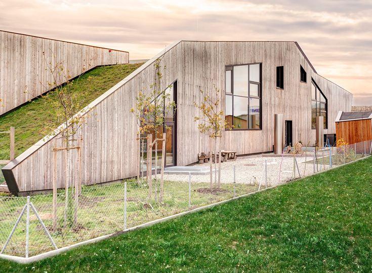 Montessori Kinderhaus in Erding - Flachdach - Öffentliche Gebäude - baunetzwissen.de