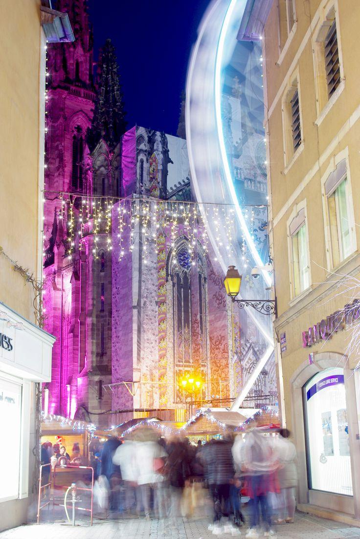 Ce soir à Mulhouse lors de la dernière journée du marché de Noël (Les Étofféeries). Rendez-vous en novembre 2017 pour la prochaine édition !  #Mulhouse #VisitMulhouse #VisitAlsace