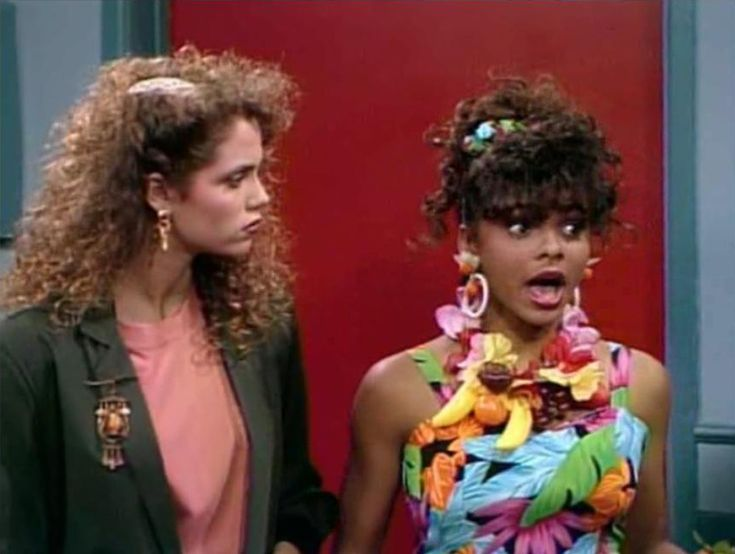saved by the bell lisa and zack dating Indeed it was the saved by the bell like zack, slater, screech, lisa call 1-900 crush, which is from an episode where the gang gives teen dating.