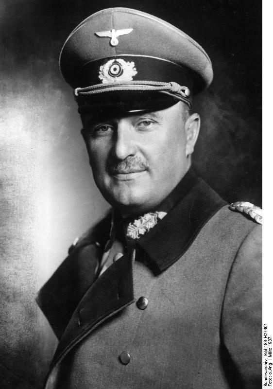"""Le """"General der Artillerie"""" Prof.Dr.ing., Dr.phil.h.c. Karl Becker, Präsident des Forschungsrates des faschistischen Deutschlands"""