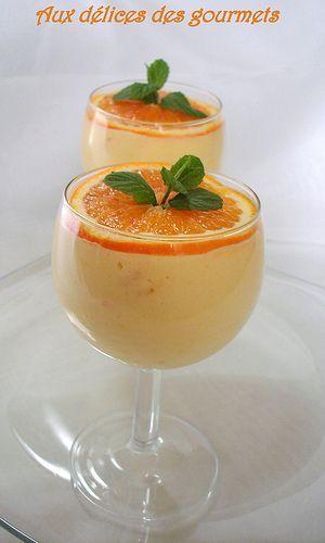Aux délices des gourmets: MOUSSE A L'ORANGE 1 kg d'oranges à jus 2 œufs Quelques goutes d'eau de fleur d'oranger 75 g de sucre en poudre ( j'ai mis 100g) 2 c à s de maïzena