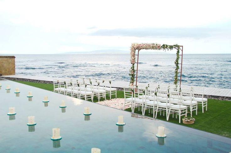 Beachfront Wedding Ceremony / Bali Wedding / Wedding Beach Wedding / Wedding Ceremony