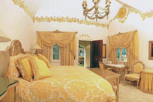 Donald trump 39 s bedroom celebrity bedrooms pinterest celebrities homes tops and home Trump home bedroom furniture