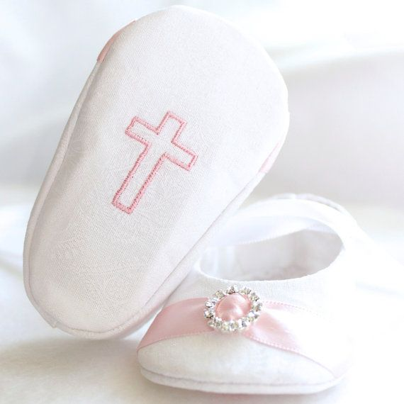 WHITE Paisley Baby Girl Shoes FREE by mysweetbabylove on Etsy, $25.00    Gorgeous! A must for my little girls baptism,