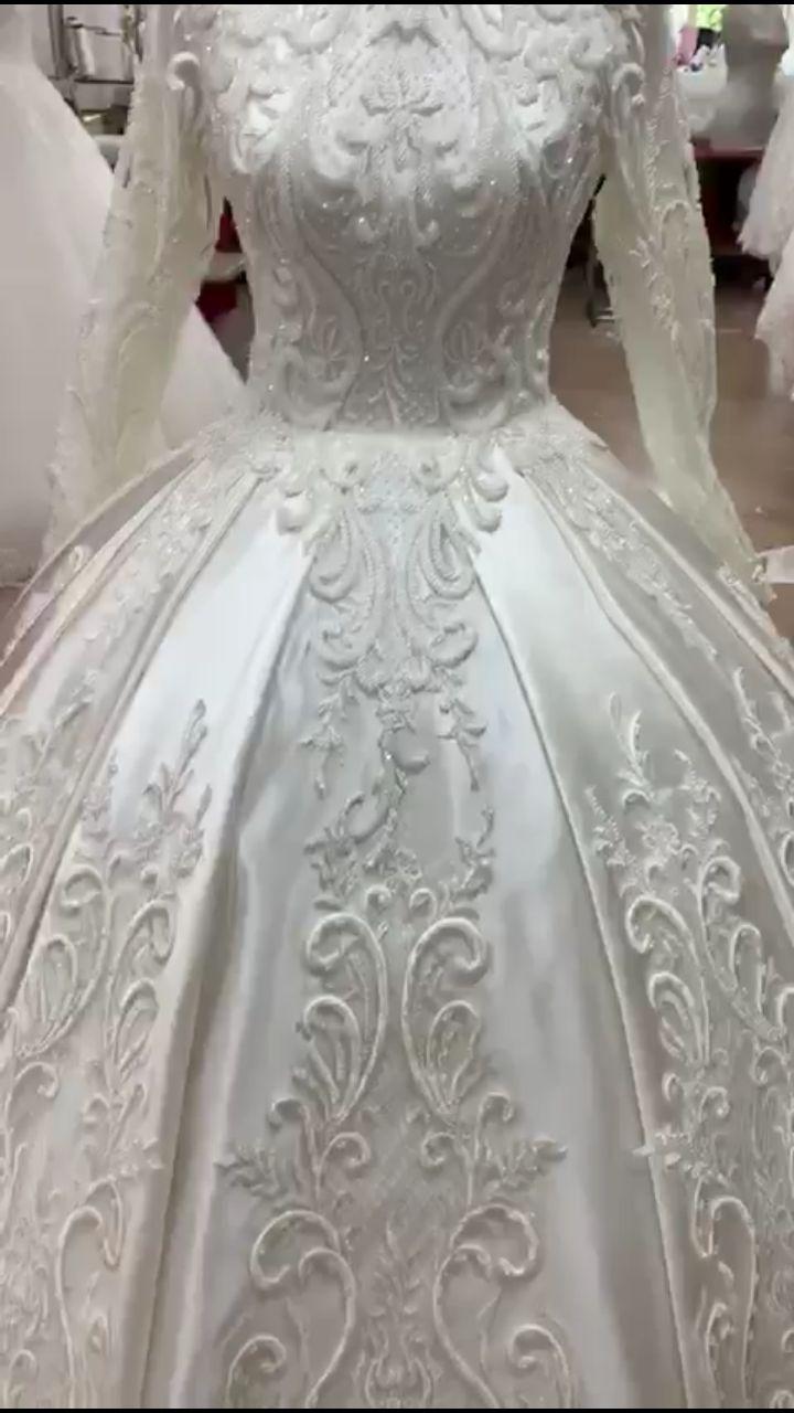 Brautkleid im Fabelhaften Barock-Stil  Brautkleid, Kleider, Braut