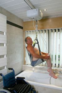Ceiling Lift Bathtub (With images) | Wheelchairs design ...